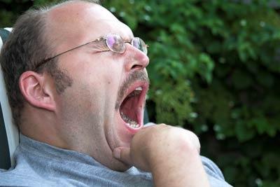 اتحداك تقاوم yawn.jpg