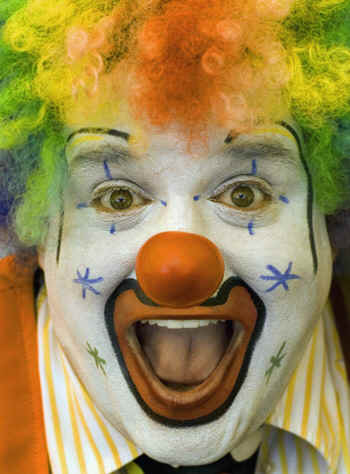 clown1.jpg (97668 bytes)