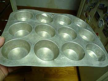 muffintin.jpg (43103 bytes)