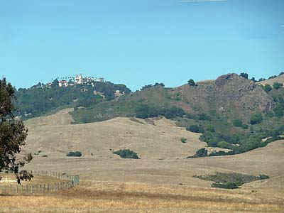 HearstCastle.jpg (40321 bytes)
