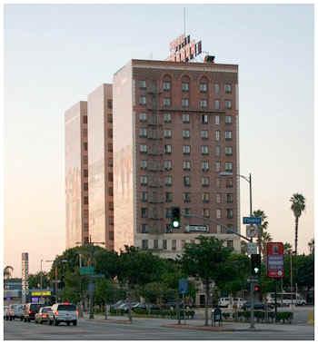 hotel_figueroa.jpg (51130 bytes)