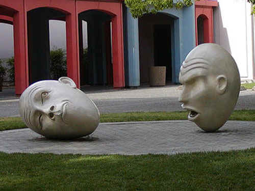 Eggheads.jpg (61692 bytes)