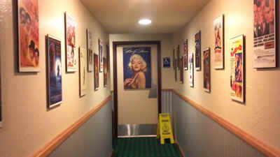 MarilynWall.jpg (94743 bytes)