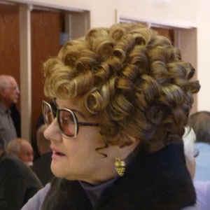 curls.jpg (41281 bytes)