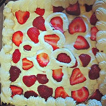cake.jpg (91601 bytes)
