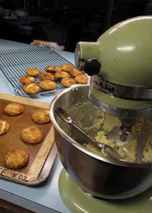 KitchenAid.jpg (49423 bytes)