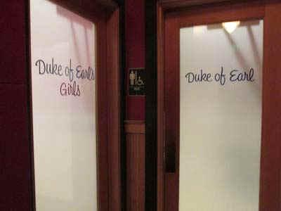 dukes.jpg (27670 bytes)